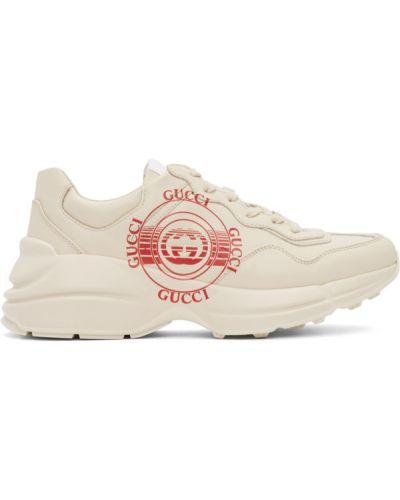 Biały włókienniczy skórzane sneakersy z łatami na sznurowadłach Gucci