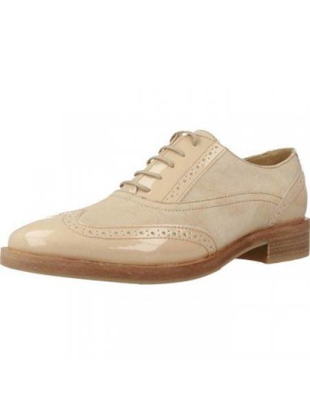 Brązowy buty brogsy Geox