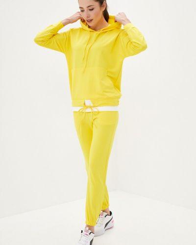 Костюмный желтый спортивный костюм Aaquamarina