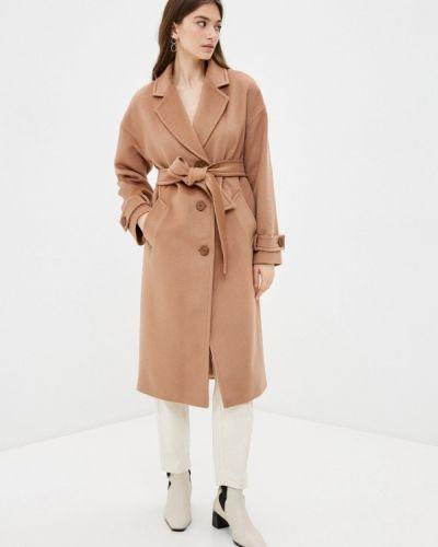 Бежевое пальто Shartrez