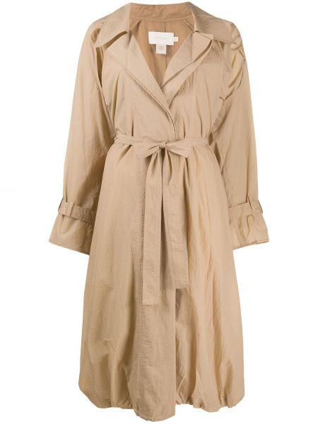 Бежевое пальто классическое с поясом на пуговицах Low Classic
