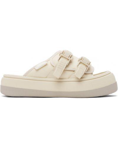 Текстильные белые капри на каблуке Eytys