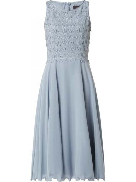Niebieska sukienka koktajlowa rozkloszowana z szyfonu Vera Mont