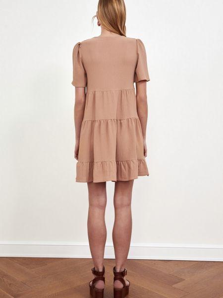 Бежевое платье мини с вырезом с короткими рукавами Trendyol