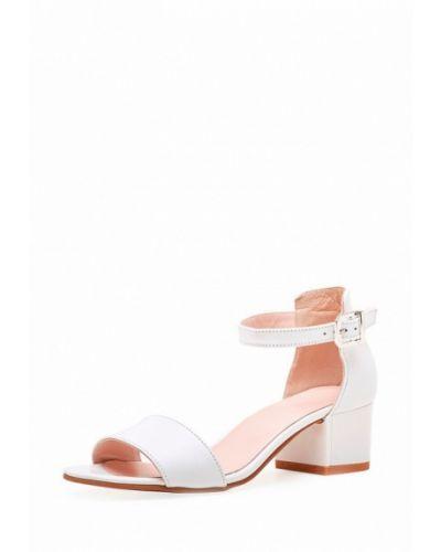 Белые босоножки на каблуке Emmelie Delage