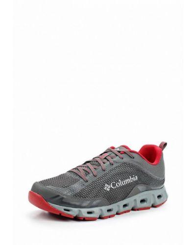 Серые кроссовки Columbia