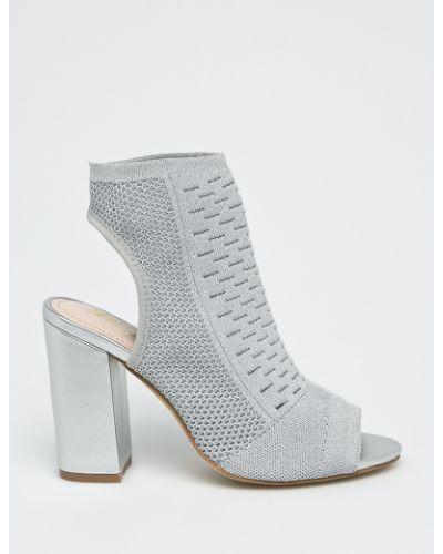 Туфли на каблуке серебряный Answear