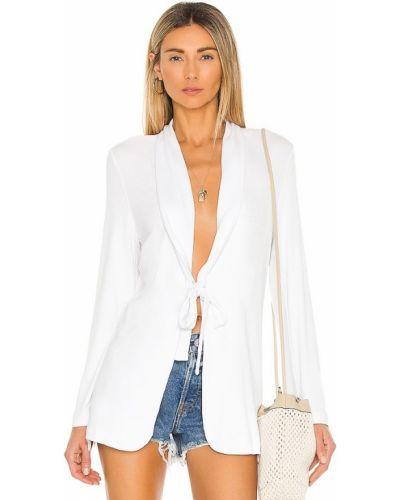 Белая кожаная куртка для полных Lna