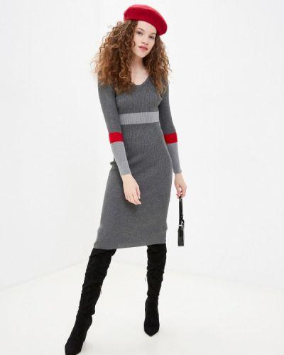 Серое трикотажное вязаное платье Trendyangel