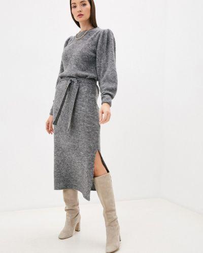 Серое вязаное платье Ichi