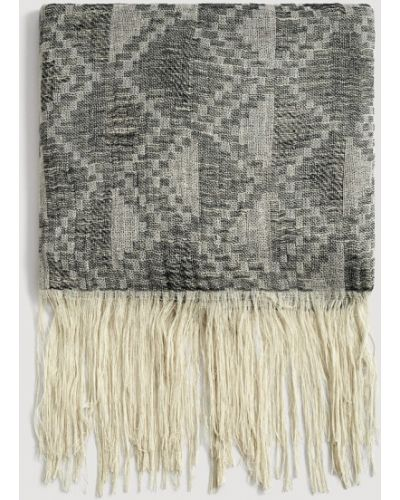 Серый шарф Mango