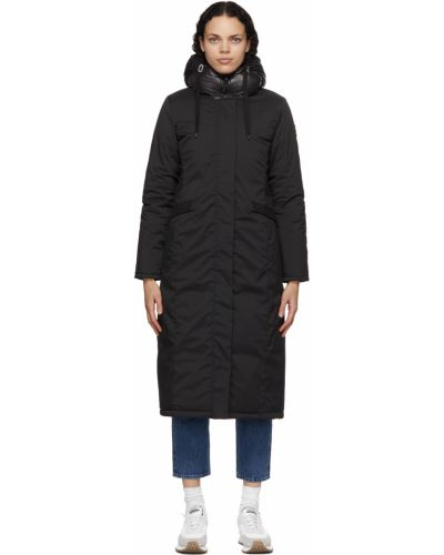 Satynowy czarny długi płaszcz z kapturem Kanuk