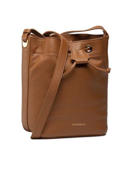 Brązowa klasyczna torebka Coccinelle