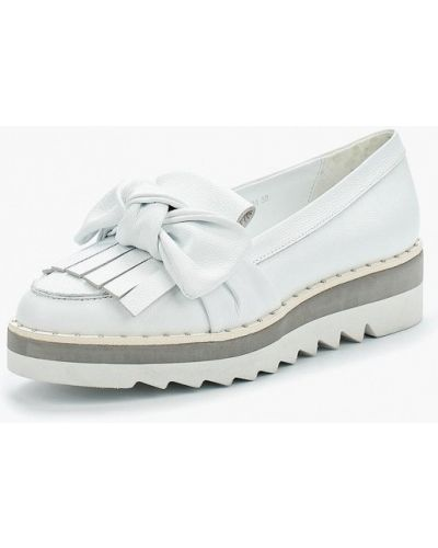 Белые лоферы на каблуке Vitacci