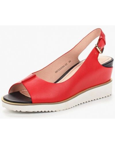 Красные босоножки на каблуке Betsy