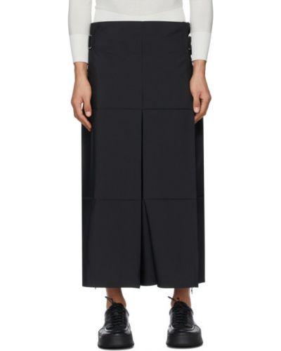 Czarne spodnie z paskiem srebrne 132 5. Issey Miyake