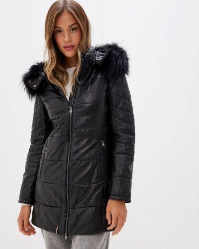 Теплая черная куртка Oakwood