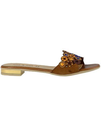 Шлепанцы на каблуке замшевый Nila & Nila
