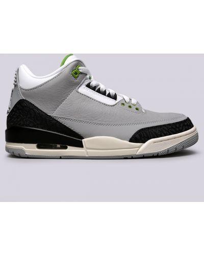 Серые кроссовки Jordan