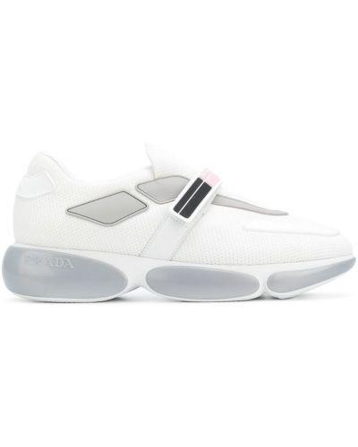 Кроссовки на платформе кожаные с логотипом Prada