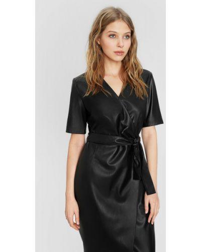 Кожаное с рукавами черное платье мини Ostin