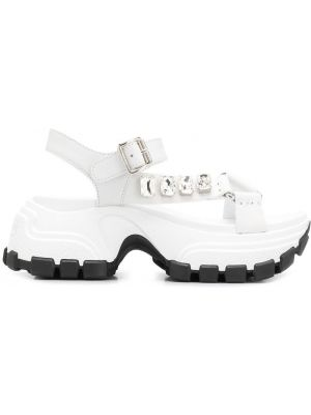 Czarne sandały skorzane klamry Miu Miu