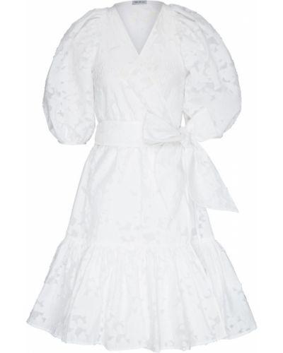 Шелковое с рукавами белое платье ли-лу