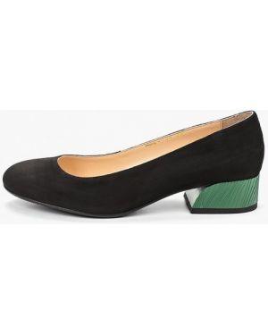 Кожаные туфли черные Hestrend