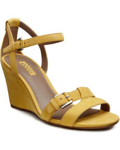 Босоножки на каблуке желтый высокие Ecco