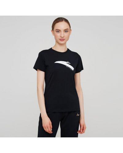 Прямая черная футболка с надписью Anta