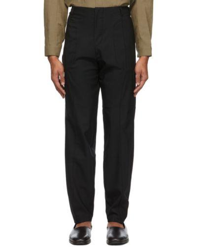 Czarne spodnie wełniane z paskiem Vejas