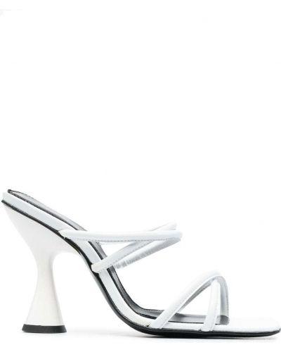 Białe sandały skorzane na obcasie Dorateymur