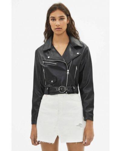 Кожаная куртка черная осенняя Bershka