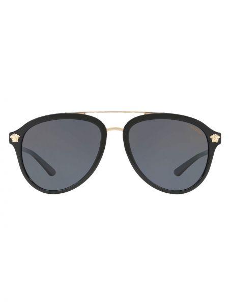 Золотистые прямые черные солнцезащитные очки с заклепками Versace Eyewear