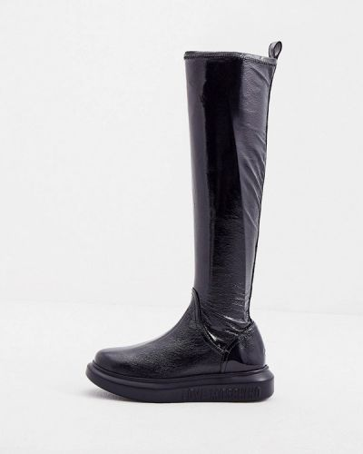 Черные лаковые ботфорты Love Moschino