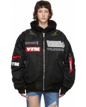 Длинная куртка черная нейлоновая Vetements