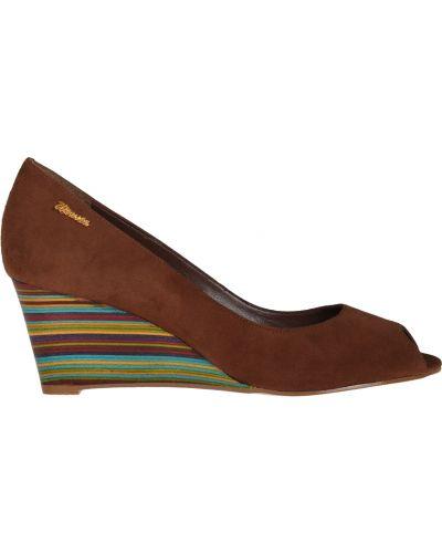 Кожаные туфли на каблуке замшевые Werner