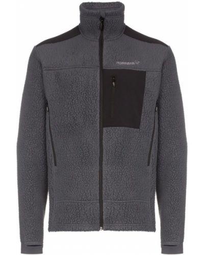Черная куртка с вышивкой Norrona