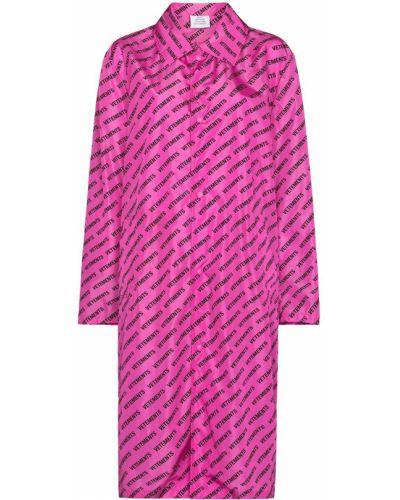 Różowy płaszcz przeciwdeszczowy z długimi rękawami z nylonu Vetements