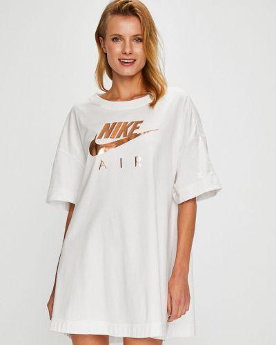 Спортивная футболка белая оверсайз Nike Sportswear
