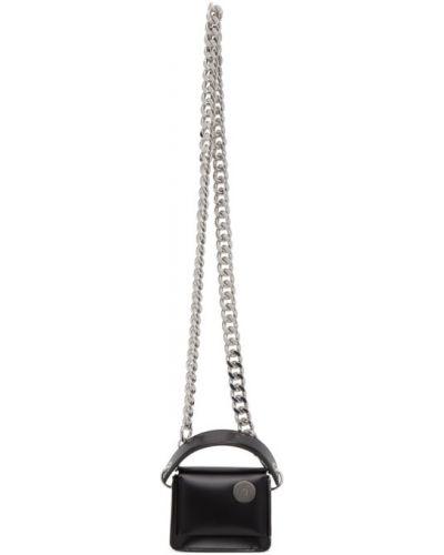 С ремешком черная сумка на цепочке из натуральной кожи Kara