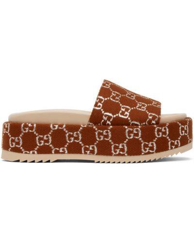 Otwarty skórzany różowy sandały na platformie Gucci