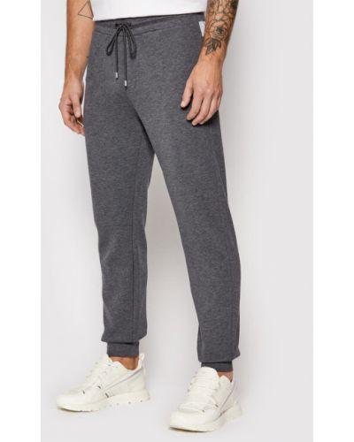 Szare spodnie dresowe Baldessarini
