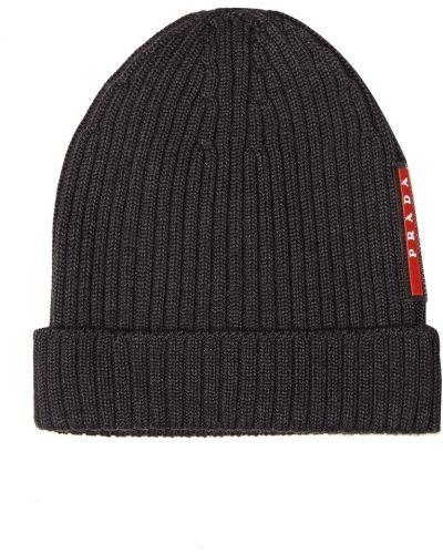 Вязаная шапка с отворотом красная Prada