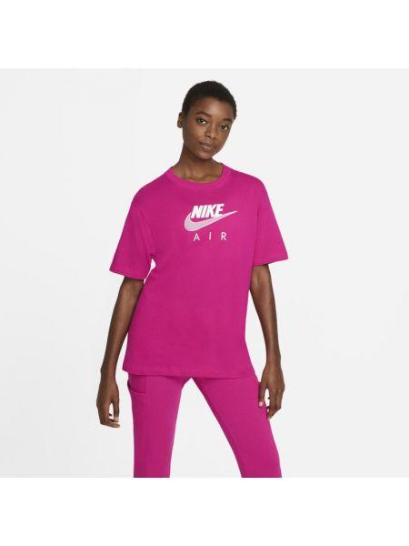 Miękki różowy t-shirt z haftem Nike