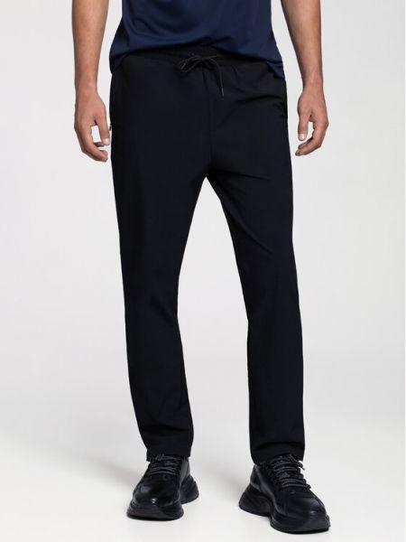 Czarne spodnie materiałowe Vistula