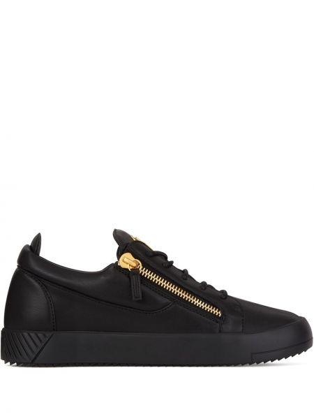 Ażurowy skórzany czarny sneakersy z łatami Giuseppe Zanotti