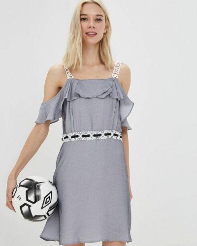 Платье с открытыми плечами осеннее Care Of You