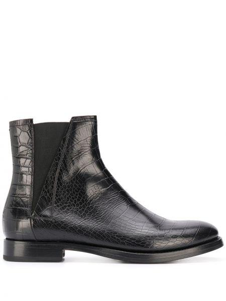 Кожаные черные кожаные ботинки на каблуке с тиснением Silvano Sassetti