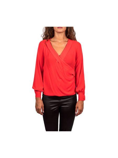 Czerwony sweter Hanita